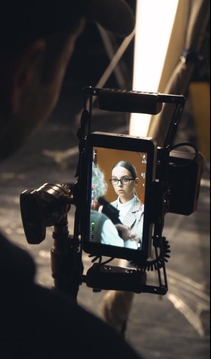 На съемках рекламного ролика для приложения Chatium студия Sanin Delaet Video провела эксперимент