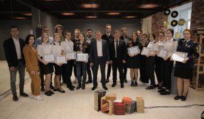 Михаил Романов встретился с молодежью и вручил сертификаты выпускникам курсов государственного и муниципального управления